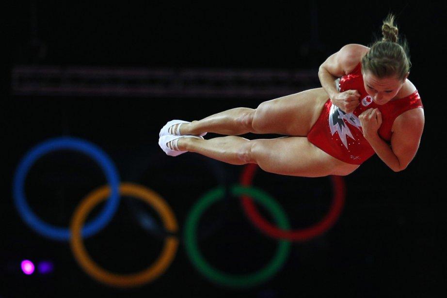 Rosannagh Maclennan, au trampoline, a remporté la première médaille d'or... | 2012-08-04 00:00:00.000