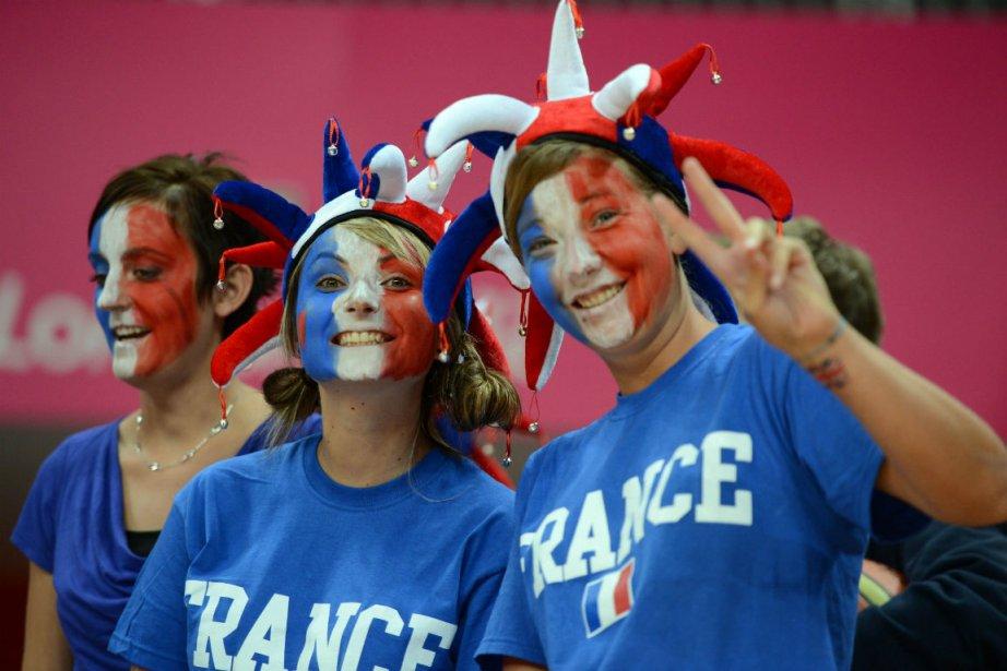 Le français résonne en premier dans les stades... (Photo Timothy A. Clary, Agence France-Presse)