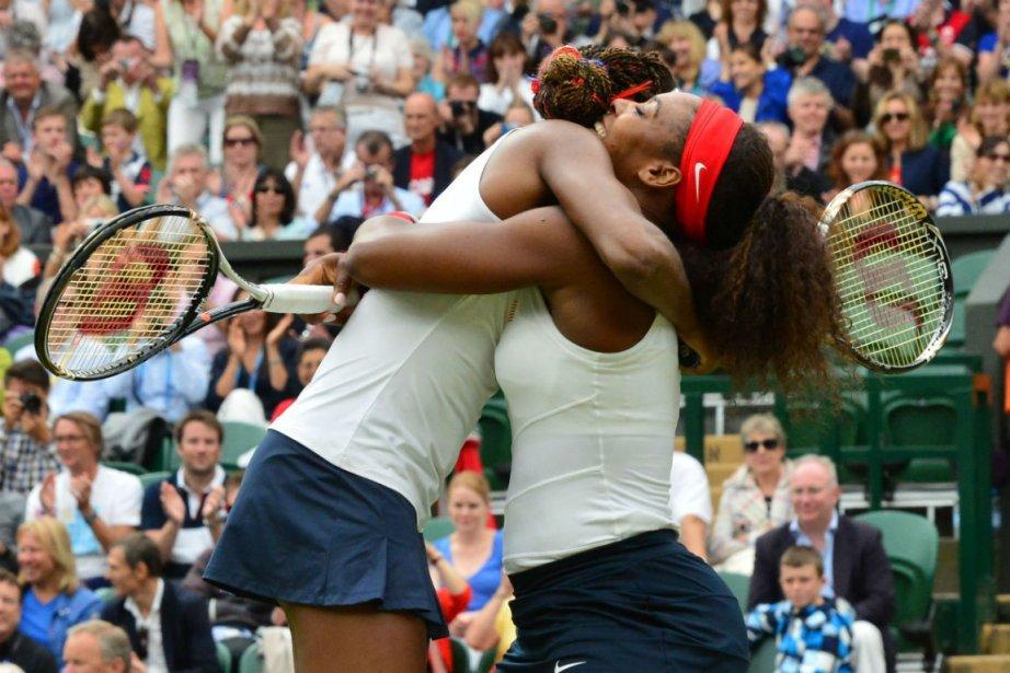 Venus et Serena Williams... (Photo Luis Acosta, Agence France-Presse)