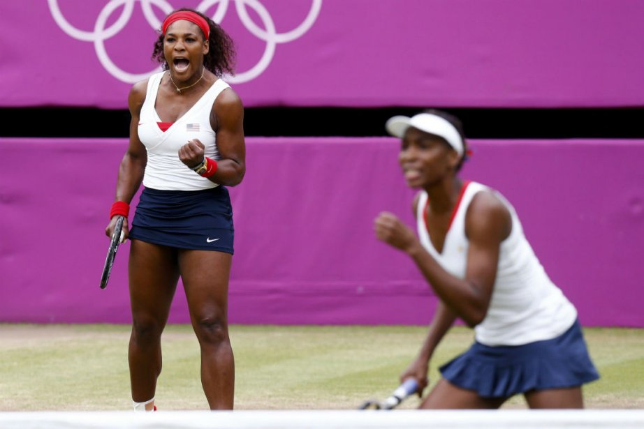 Serena et Venus Williams... (Photo d'archives Dominic Ebenbichler, Reuters)