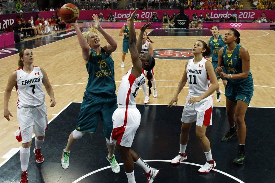 Les Canadiennes ont subi une défaite de 72-63... (Photo: AFP)
