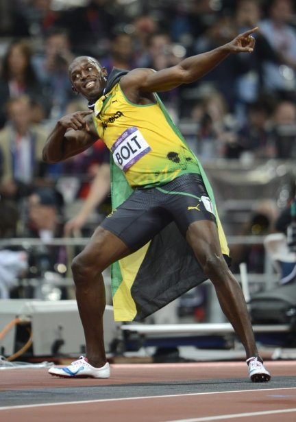 Usain Bolt célèbre à sa manière habituelle après sa victoire au 100 mètres. | 5 août 2012