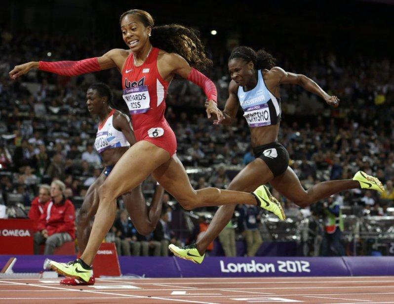 L'Américaine Sanya Richards-Ross a résisté aux assauts de la championne en titre Christine Ohuruogo pour remporter la finale du 400 mètres. | 5 août 2012