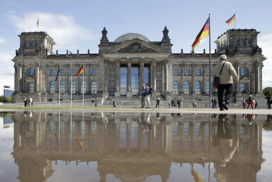 L'édifice Reichstag, chambre basse du Parlement allemand (Bundestag).... (PHOTO TOBIAS SCHWARZ, REUTERS)