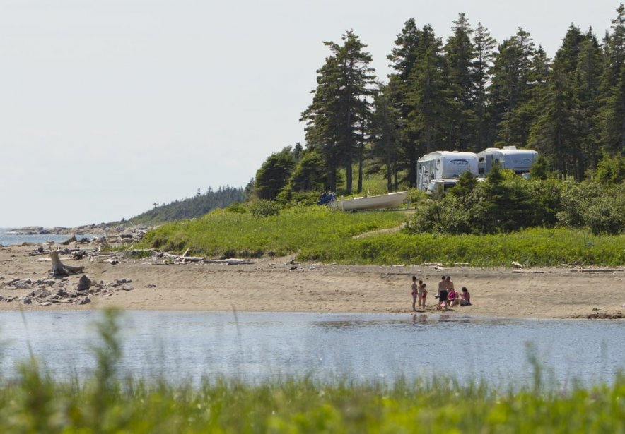 Camping sur le bord de la route 138. | 6 août 2012