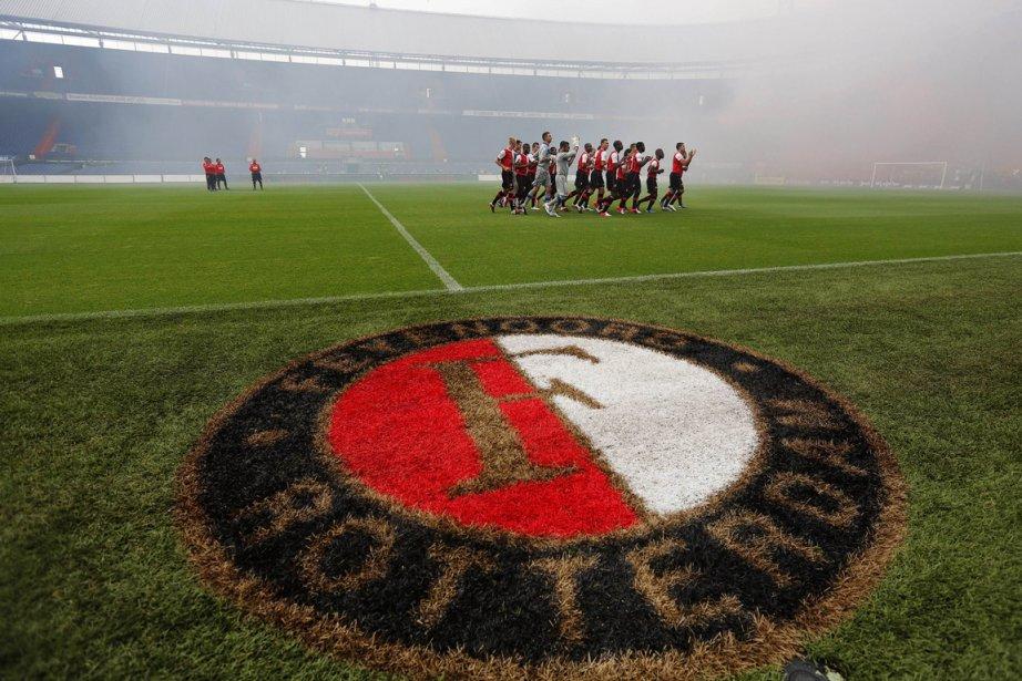 Les joueurs de Feyenoord devront renverser un déficit... (PHOTO OLAF KRAAK, AGENCE FRANCE-PRESSE)