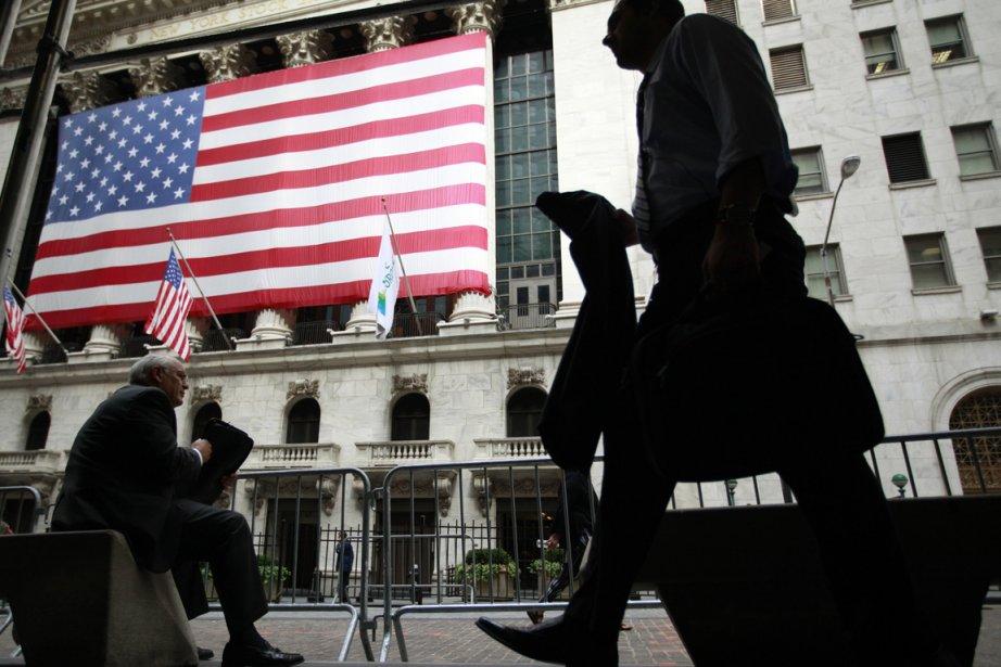 La Bourse de New York évoluait en hausse... (PHOTO BRENDAN McDERMID, REUTERS)