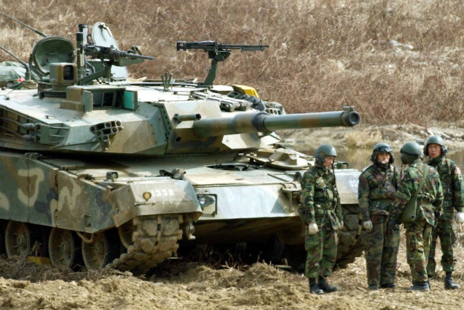 Les alliés qualifient leurs manoeuvres annuelles de défensive... (Photo archives Associated Press)