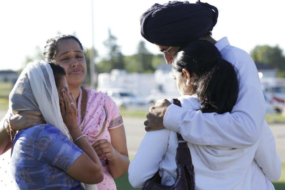 Les sikhs, qui portent un turban et la... (Photo John Gress, Reuters)