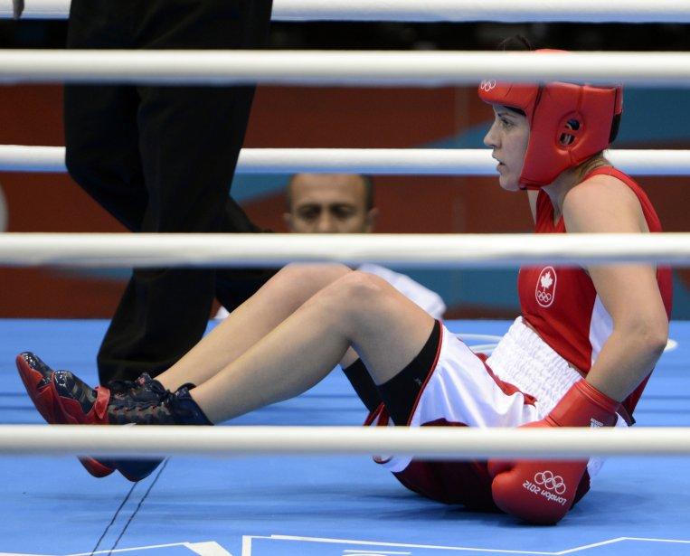 La Canadienne Mary Spencer s'est inclinée contre la Chinoise Li Jinzi en quart de finale de boxe chez les 75 kg. | 6 août 2012