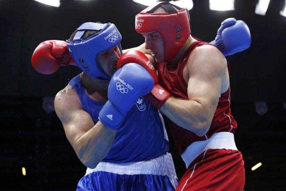 Simon Kean (à gauche) a subi la défaite... (Photo: Reuters)