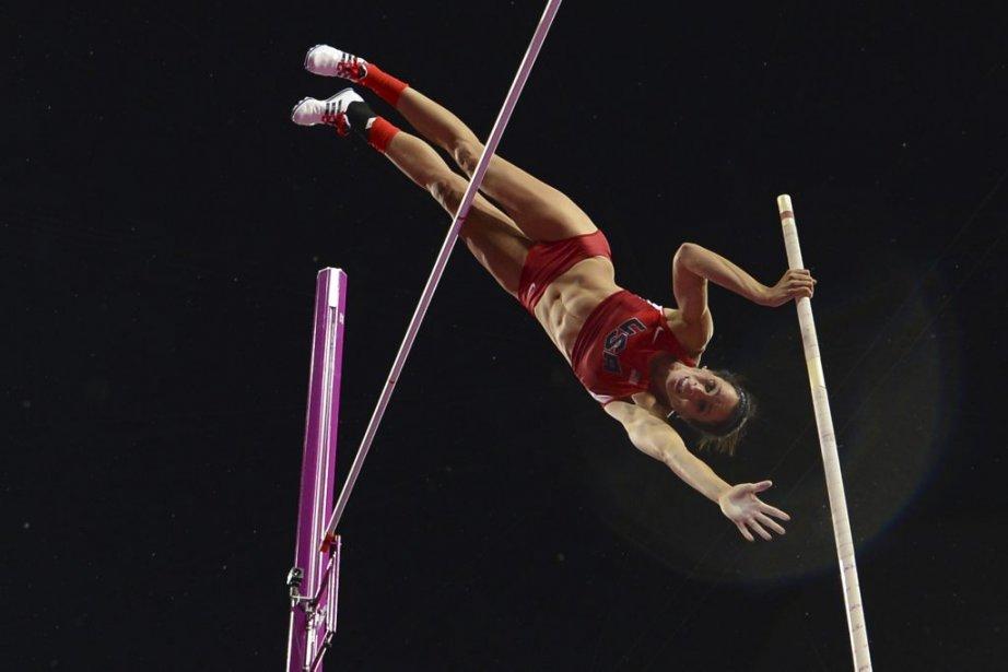 Au saut à la perche, la médaille d'or a été remportée par l'Américaine Jennifer Suhr avec un saut de 4,75 mètres. | 6 août 2012