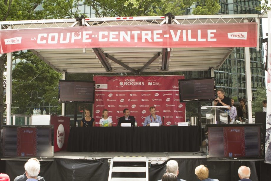 Les organisateurs de la Coupe Rogers ont tenu le tirage au sort du tournoi à la Place du Canada. | 6 août 2012