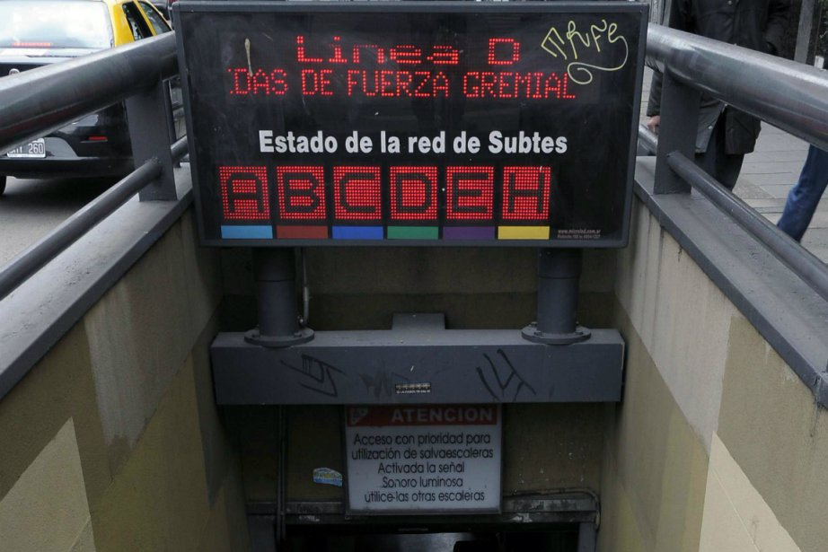 Le métro de la capitale argentine est paralysé... (Photo AFP)