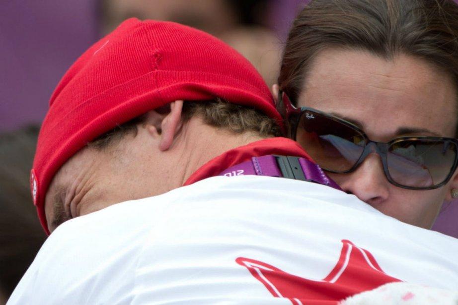 Le triathlète Simon Whitfield a fondu en larmes... (Photo: PC)