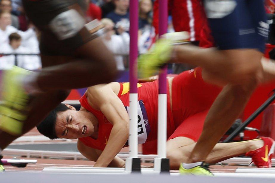 La malédiction continue pour le Chinois Liu Xiang, blessé au tendon d'Achille lors des séries du 110 m haies. Il avait aussi dû abandonner à Pékin pour un problème à un tendon. | 7 août 2012
