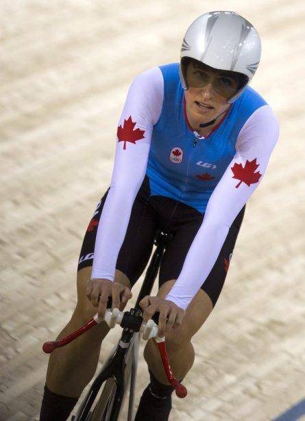 La cycliste canadienne Tara Whitten a raté une occasion de mettre la main sur une autre médaille olympique en terminant au quatrième rang après les six courses de l'omnium féminin. | 7 août 2012
