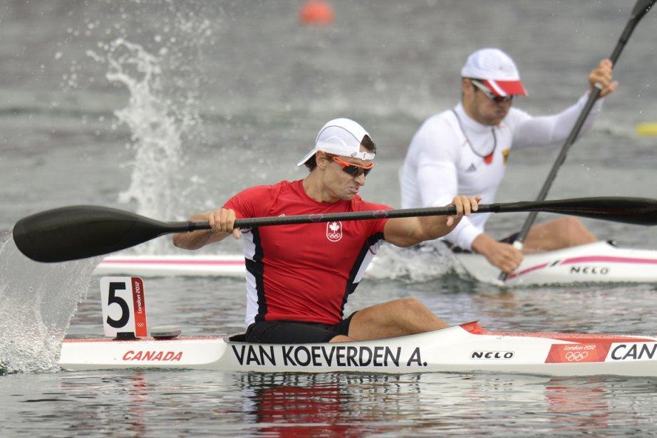 Le kayakiste canadien Adam van Koeverden a remporté la médaille d'argent à l'épreuve du K-1 1000 mètres. | 8 août 2012