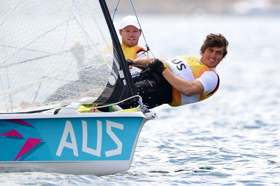 L'équipage australien composé de Nathan Outteridge et Iain Jensen est devenu champion olympique de voile dans la catégorie 49er. | 8 août 2012
