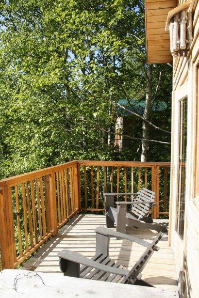 Les cabanes sont entourées de terrasses. | 8 août 2012