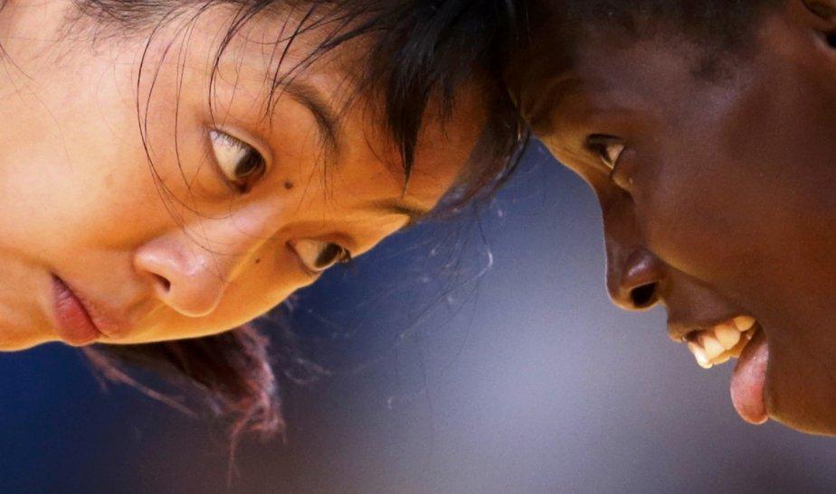 La Canadienne Carol Huynh a battu la Sénégalaise Isabelle Sambou pour gagner la médaille de bronze chez les 48 kg en lutte. | 8 août 2012