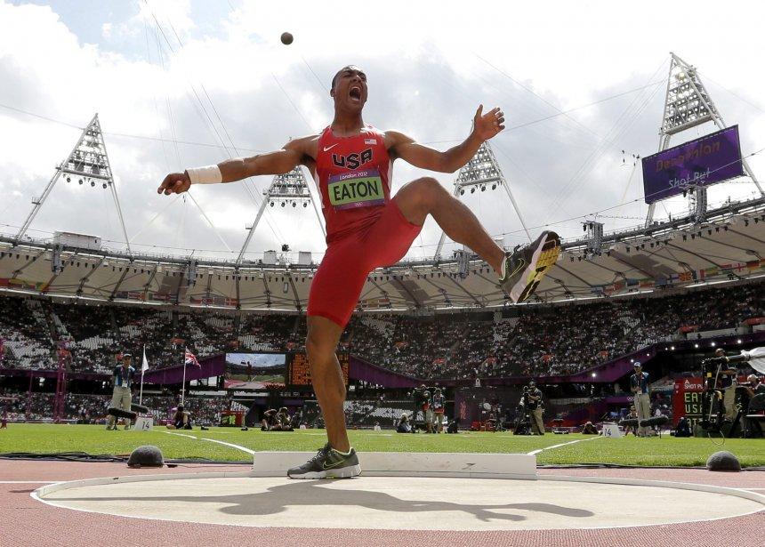 L'Américain Ashton Eaton a terminé la première journée du décathlon en tête du classement. | 8 août 2012