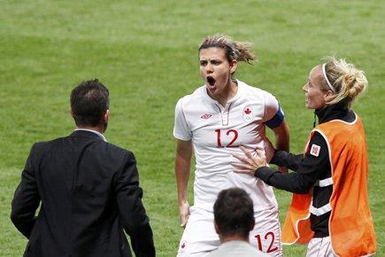 Christine Sinclair (au centre) a durement critiqué les... (Photo: Reuters)