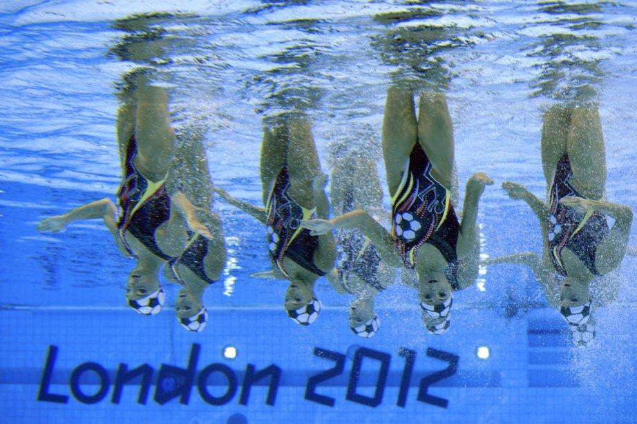 Les huit nageuses canadiennes ont obtenu la quatrième place à l'occasion du programme technique. | 9 août 2012