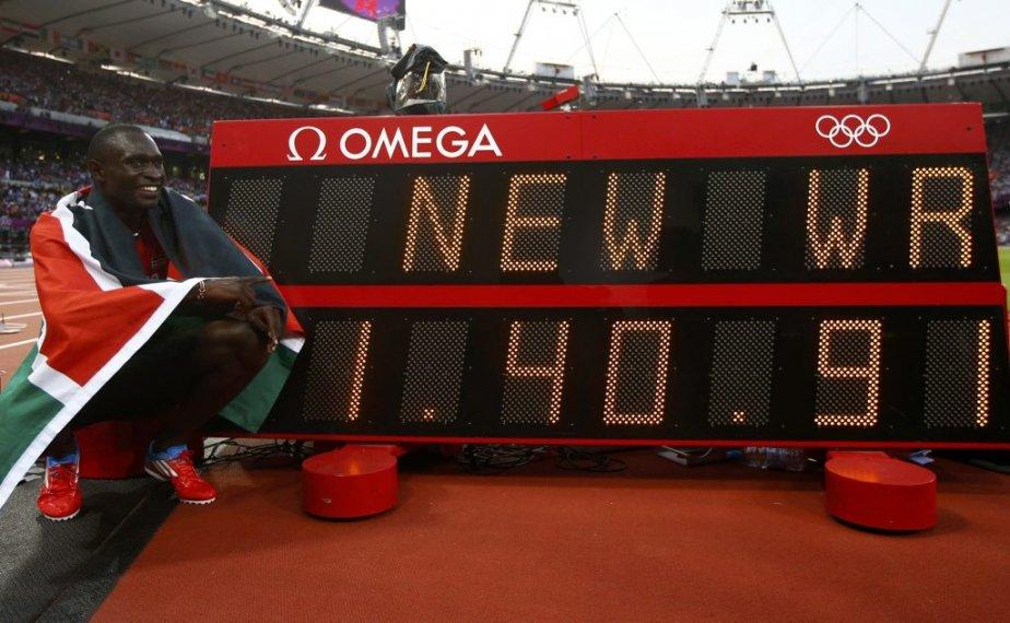 Le Kényan David Rudisha a remporté l'or au 800 mètres en 1:40,91, éclipsant ainsi par un dixième de seconde la marque mondiale qu?il avait établie en 2010. | 9 août 2012