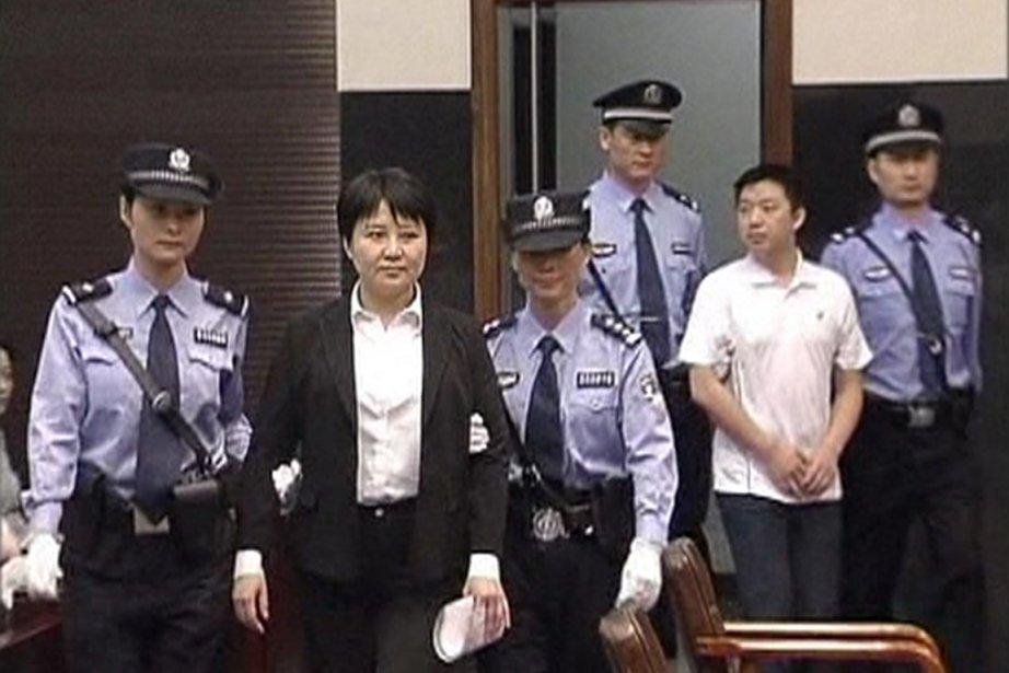 Gu Kailai, femme du politicien Bo Xilai, qui... (PHOTO REUTERS)