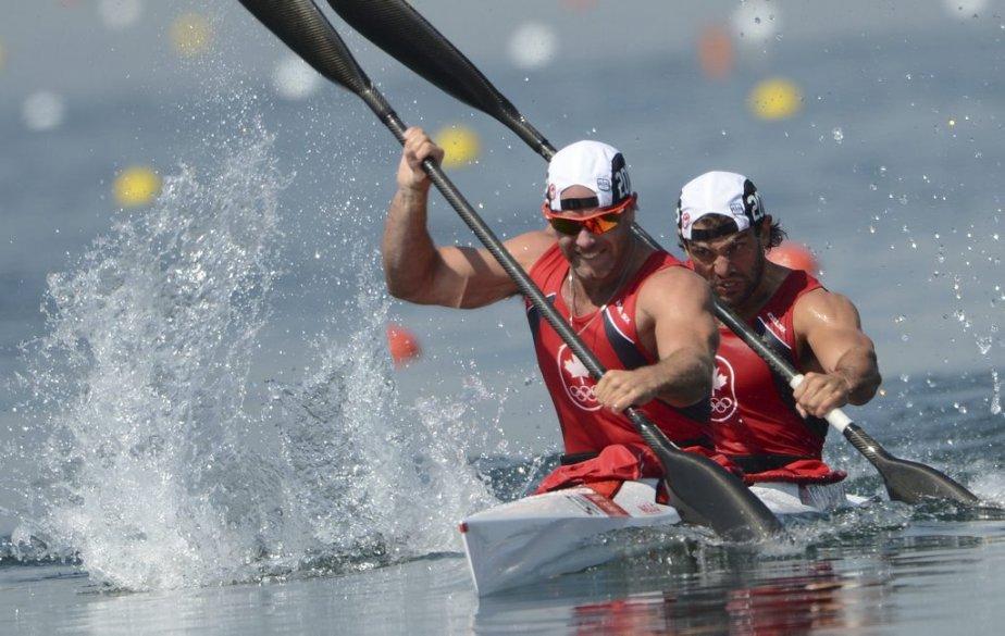 Les Canadiens Ryan Cochrane et Hugues Fournel se sont qualifiés de justesse pour la finale du 200 m en kayak biplace. | 10 août 2012