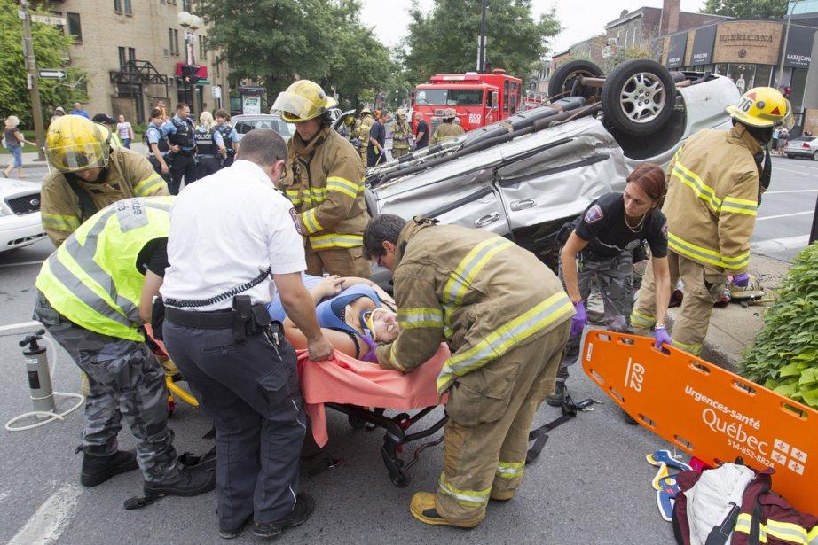 Accident au coin des rues Saint-Antoine et Atwater.... (Photo: Ivanoh Demers, La Presse)