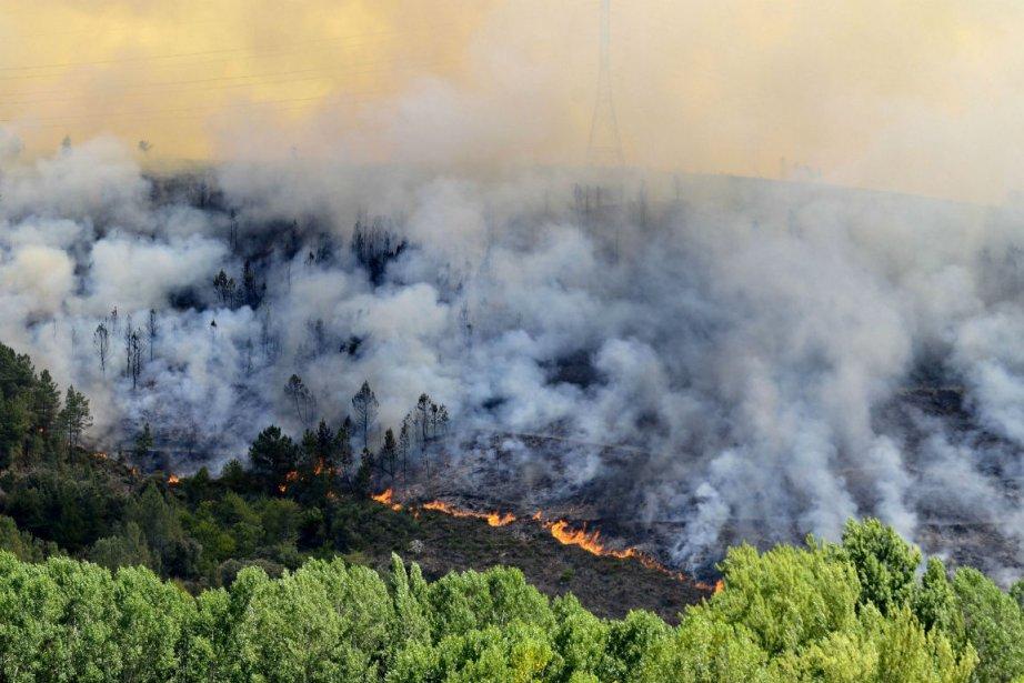 La région de la Galice est ravagée par... (Photo Lorenzo Couto, Agence France-Presse)