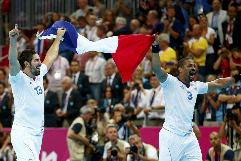 Nikola Karabatic et Didier Dinart... (Photo Marko Djurica, Reuters)
