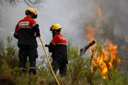 Un nouvel incendie a éclaté dimanche dans la... (Photo: Reuters)