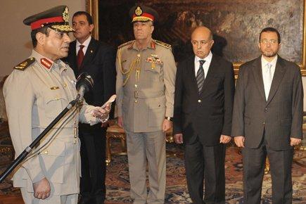 Le président Morsi a décidé de mettre à... (Photo: Reuters)