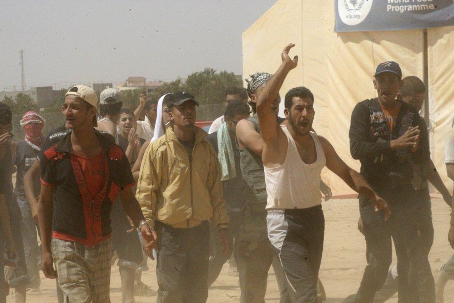 Des réfugiés syriens mécontents au camp de Zaatari... (PHOTO MAJED JABER, REUTERS)