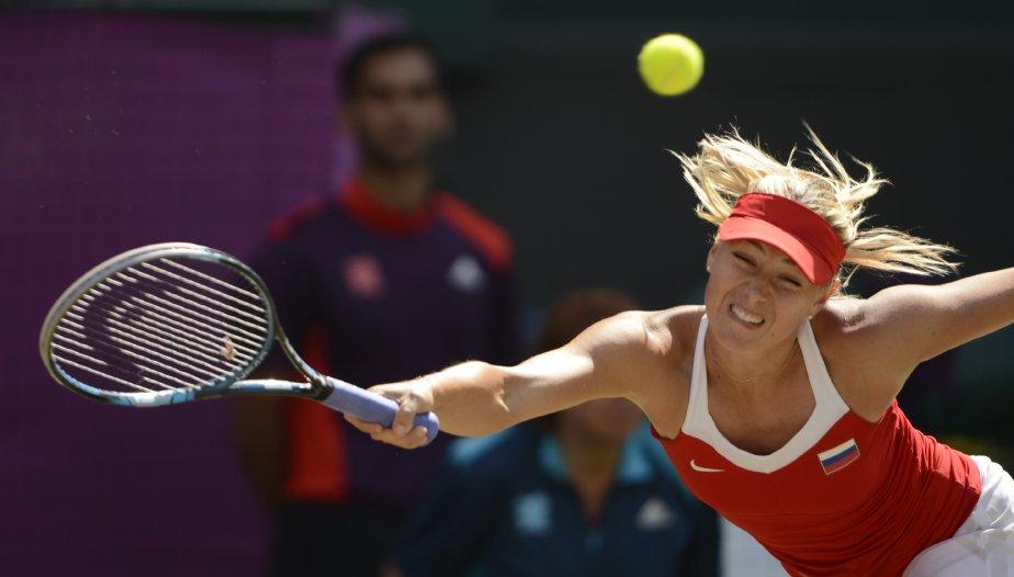 Malgré ses efforts, Maria Sharapova s?est inclinée en finale au tennis devant Serena Williams. | 14 août 2012