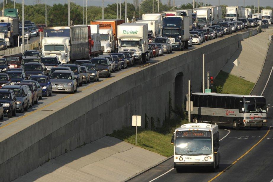 Ce n'est pas seulement plus de transport en... (PHOTO BERNARD BRAULT, ARCHIVES LA PRESSE)