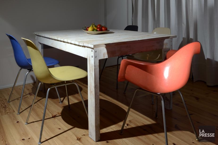 Rien de plus hip que d'entourer une table... (PHOTO BERNARD BRAULT, LA PRESSE)