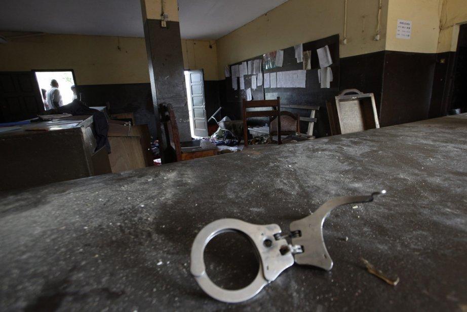 La prison a été ouverte par le commando,... (Photo Thierry Gouegnon, Reuters)