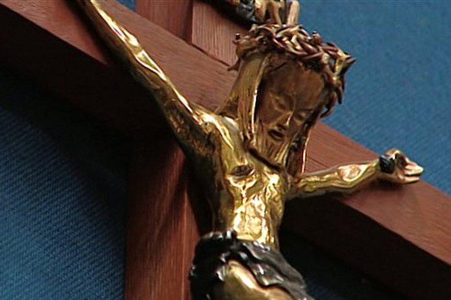 La controverse autour du crucifix au Salon bleu...