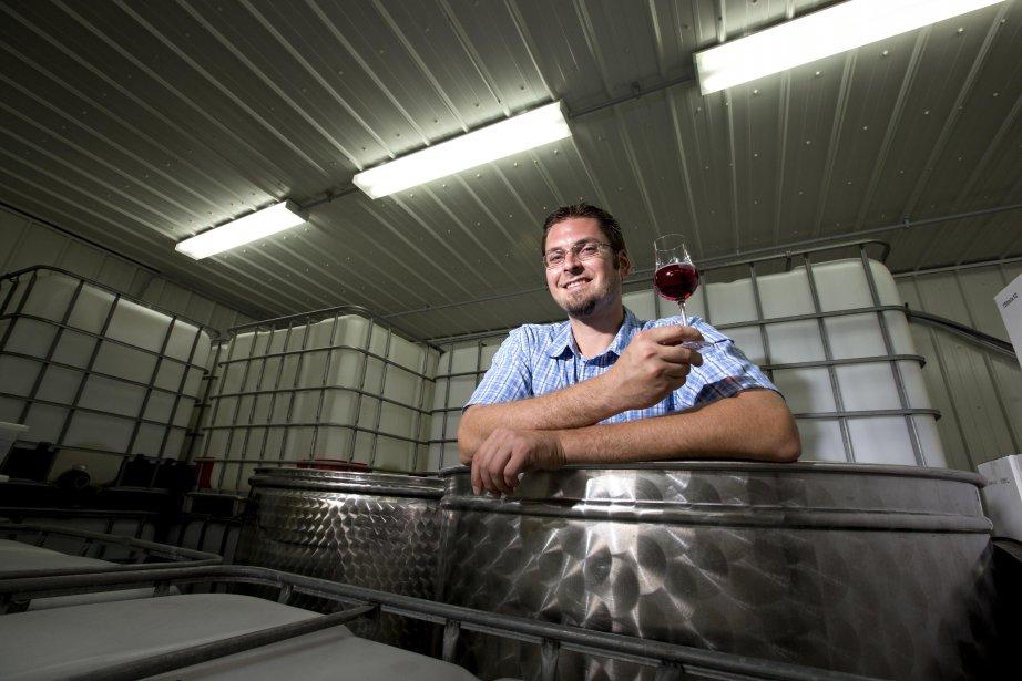 Guillaume Leroux et ses deux associés du vignoble... (Photo: Alain Roberge, La Presse)