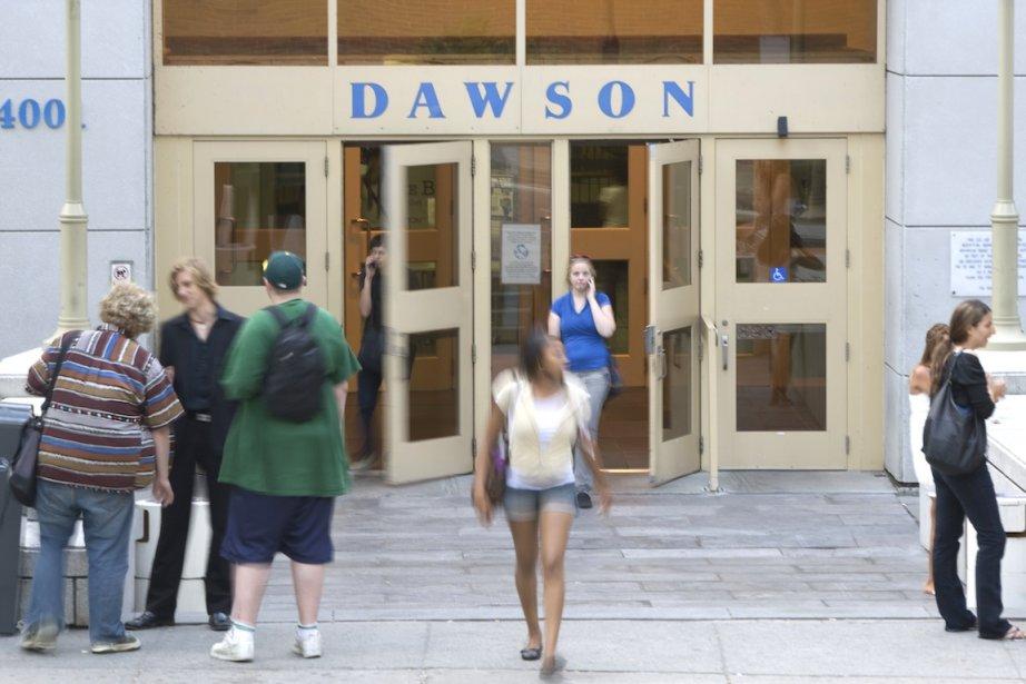 Le collège Dawson compte un fort contingent d'étudiants... (PHOTO ANDRÉ PICHETTE, ARCHIVES LA PRESSE)