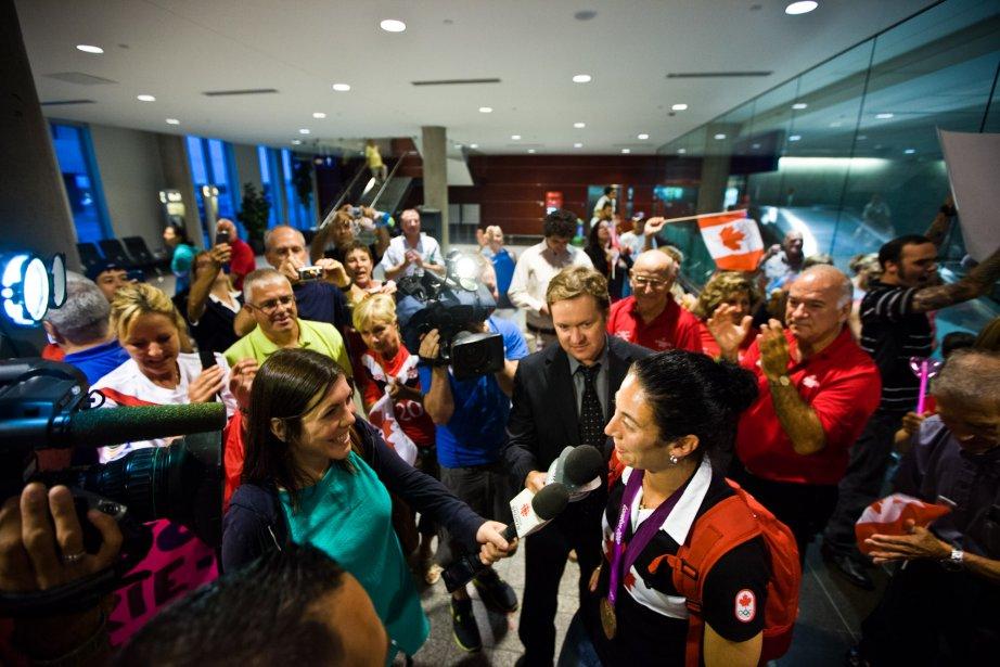 Plusieurs médias s'étaient déplacés pour rencontrer l'une des membres de l'une des plus belles histoires canadiennes à Londres. | 17 août 2012