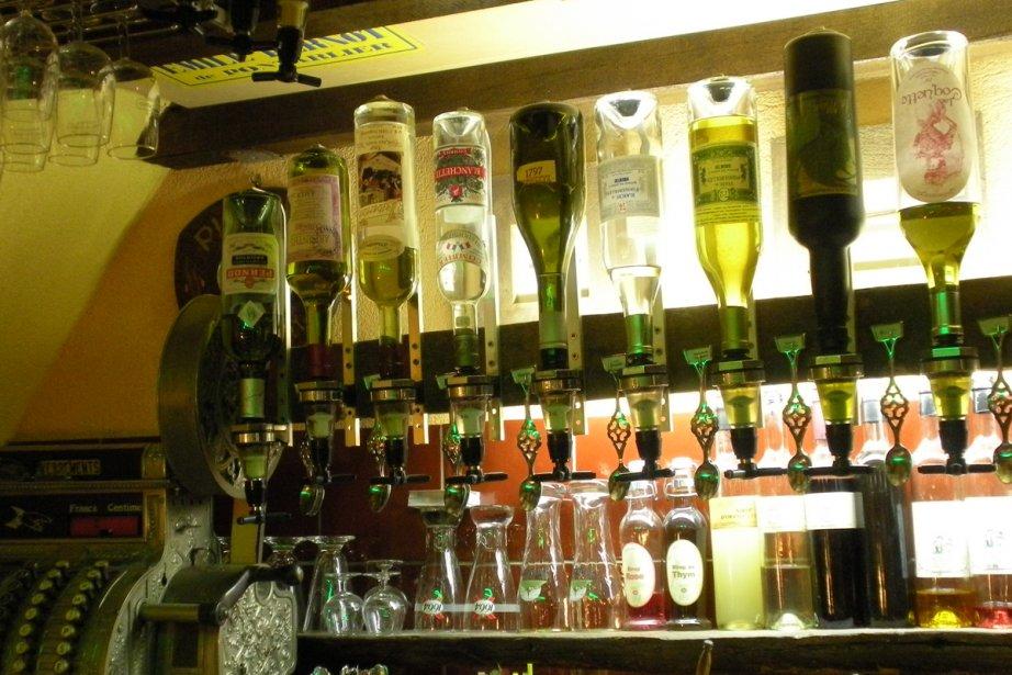 Un bar d'absinthe... (Photo: archives La Presse)