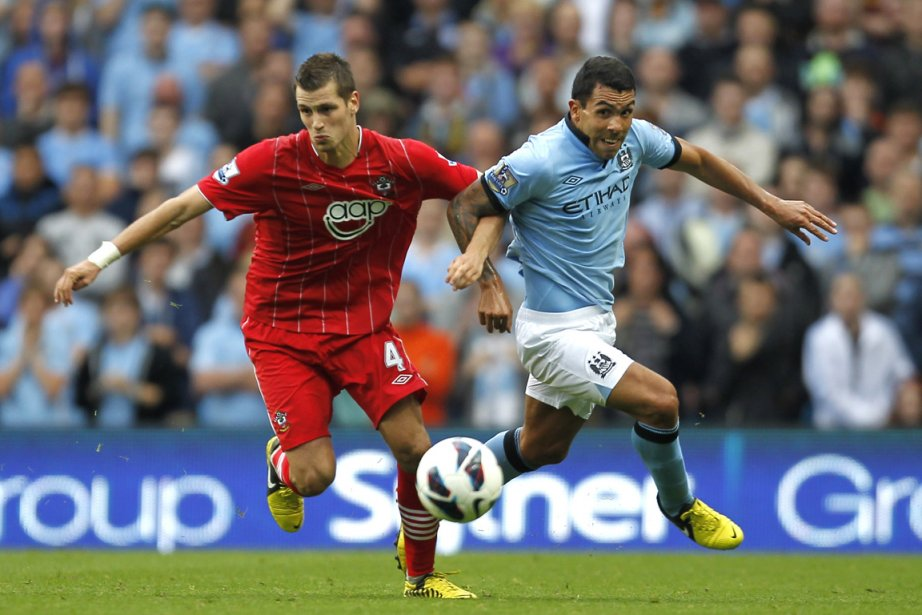 Le champion en titre Manchester City a bien débuté son Championnat... (Photo AFP)