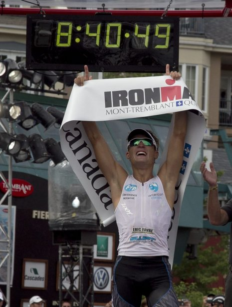 Romain Guillaume de la France a remporté le premier triathlon... | 2012-08-19 00:00:00.000