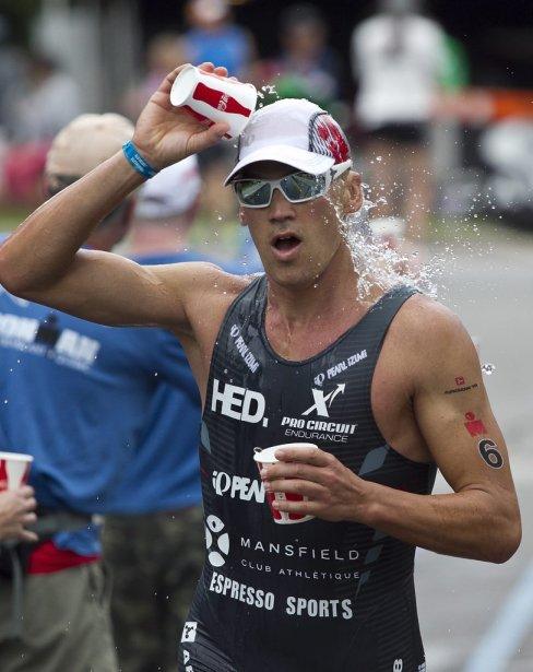 Les participants ont terminé avec un marathon. | 19 août 2012