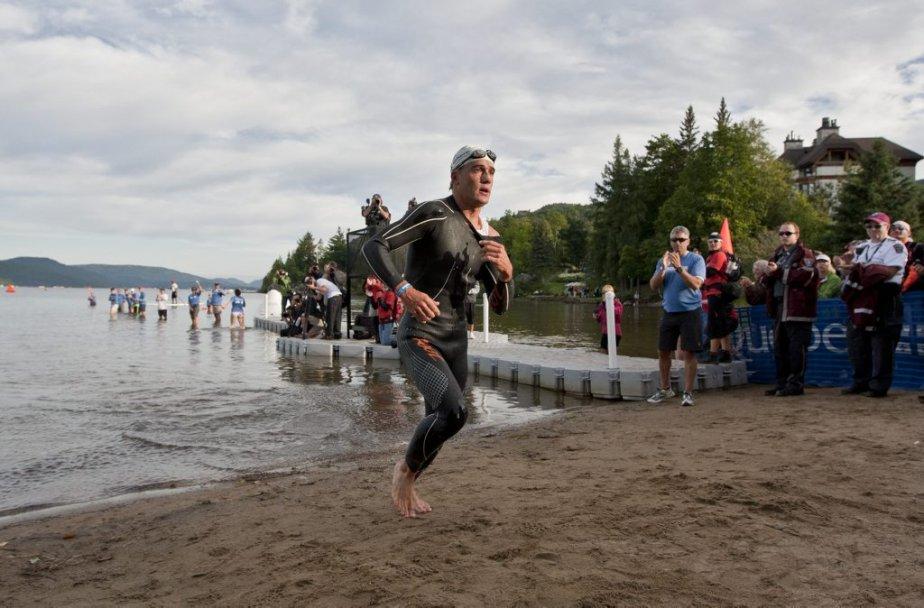Romain Guillaume a terminé en tête de l'épreuve de natation en 51 minutes et 22 secondes. | 19 août 2012